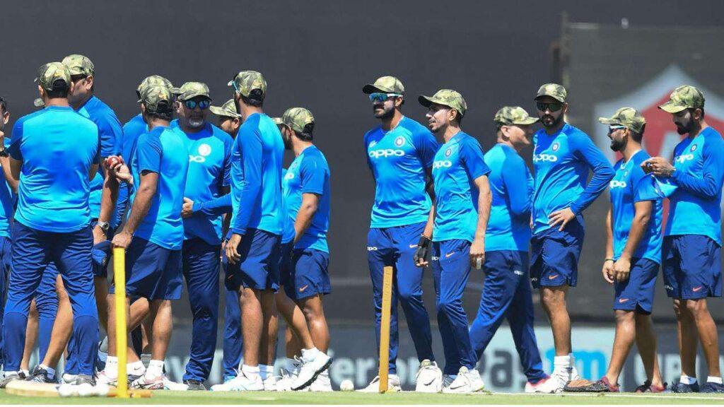भारतीय क्रिकेट टीम के कोच रवि शास्त्री ने इस खास अंदाज में टीम को दी नए साल की शुभकामनाएं 2