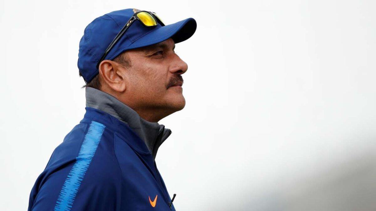 भारतीय क्रिकेट टीम के कोच रवि शास्त्री ने इस खास अंदाज में टीम को दी नए साल की शुभकामनाएं