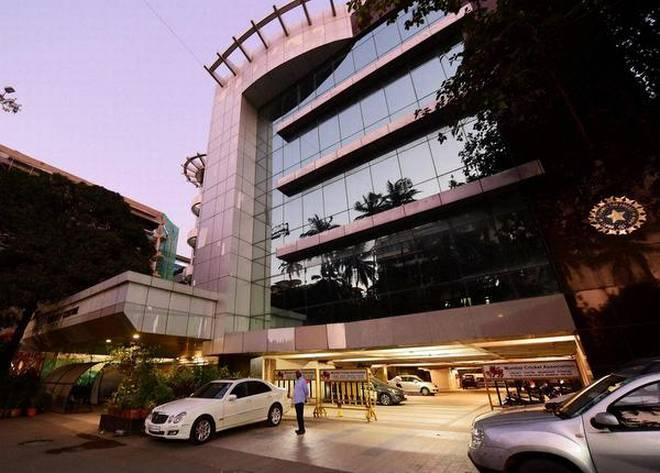 बीसीसीआई के रिसेप्शनिस्ट ने छोड़ी नौकरी, कहा मिलती है गाली और धमकियां 2