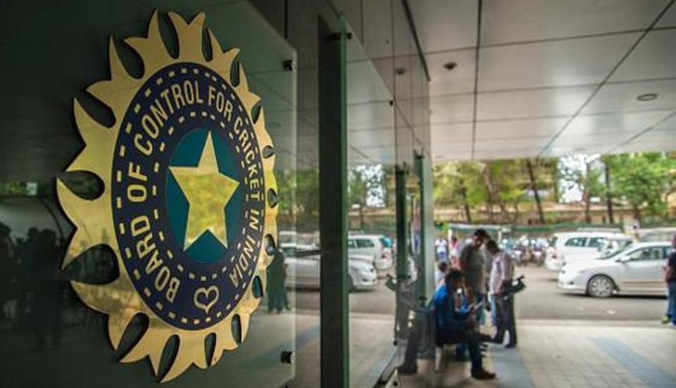 विराट कोहली और रवि शास्त्री ने किया टेस्ट को छोटा करने का विरोध, तो सामने आया बीसीसीआई कह दी ये बात 2