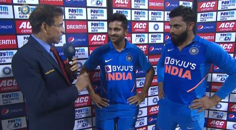 वेस्टइंडीज के खिलाफ सीरीज जीतने के बाद हर्षा भोगले ने रविंद्र जडेजा को किया ट्रोल, देखें वीडियो