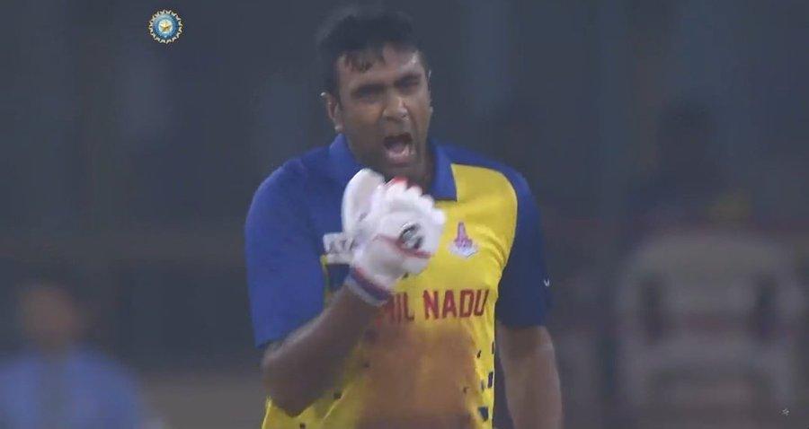 मैच खत्म होने से पहले जीत का जश्न मनाने लगे आर अश्विन, लोगों ने मुशफिकुर रहीम से की तुलना