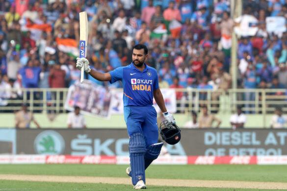 कटक में 9 रन बनाते ही क्रिकेट इतिहास का 22 साल पुराना रिकॉर्ड तोड़ देंगे रोहित शर्मा 18
