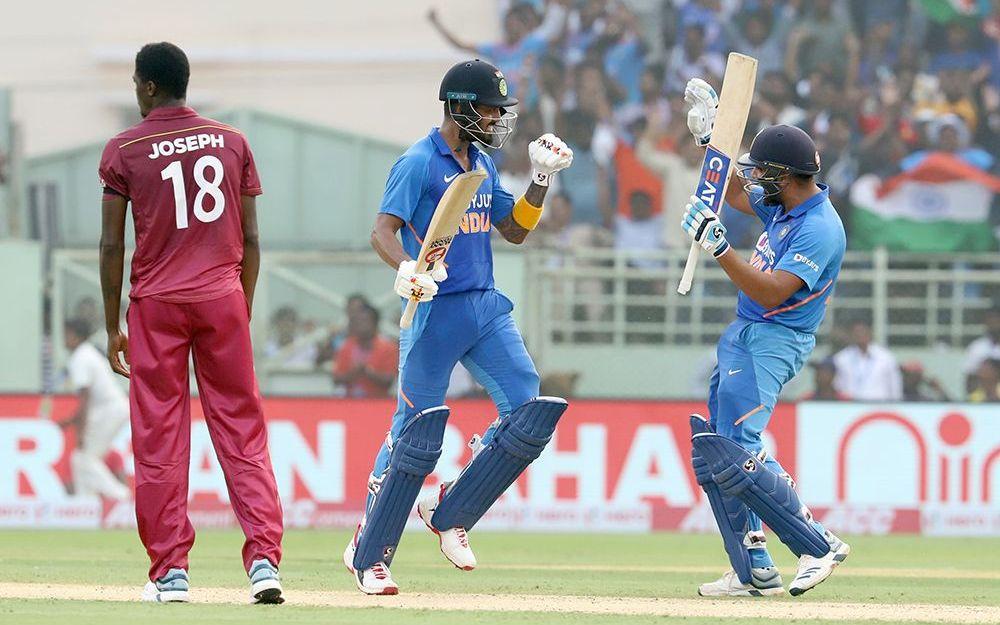 INDvWI, दूसरा वनडे: रोहित शर्मा, पंत, अय्यर और राहुल की हुई सोशल मीडिया पर तारीफ़, तो इस भारतीय खिलाड़ी का बना मजाक 1