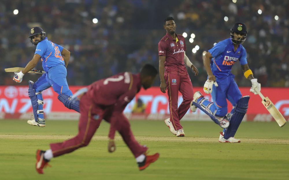 IND v WI : STATS : मैच में बने 11 रिकॉर्ड, विराट कोहली ने बनाया ये शानदार रिकॉर्ड