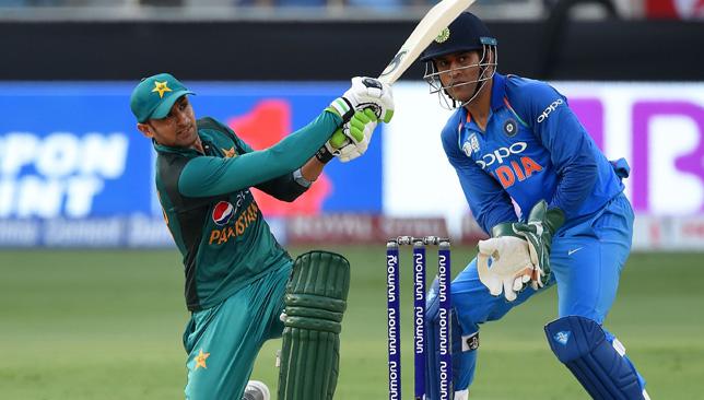 20 साल से ज्यादा वनडे क्रिकेट खेलने के बाद इन खिलाड़ियों ने किया संन्यास की घोषणा, लिस्ट में दिग्गज भारतीय