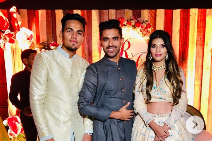 अपनी गर्लफ्रेंड के साथ राहुल चाहर ने रचाई सगाई, सामने आई वीडियो और तस्वीरें