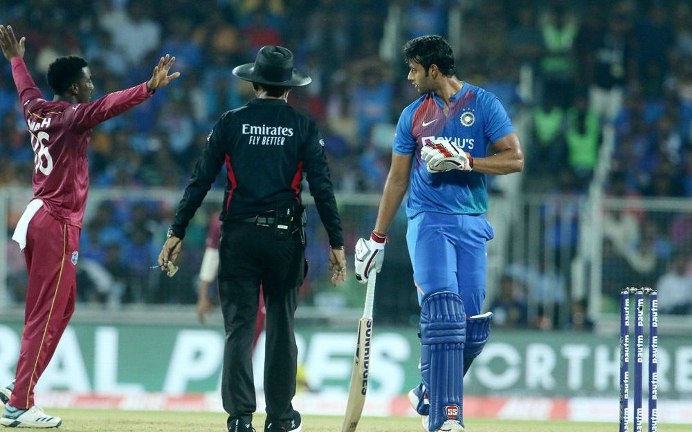 INDvsWI : विराट कोहली की इस गलती की वजह से वेस्टइंडीज ने भारतीय टीम को 8 विकेट से हराया 1