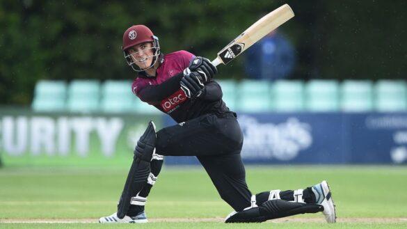 आईपीएल नीलामी से पहले इंग्लैंड के बल्लेबाज ने 35 गेंदों में जड़ा शतक, देखें वीडियो 11