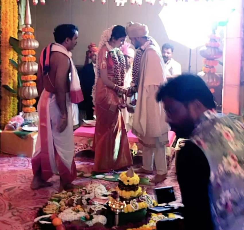 PHOTOS : भारतीय खिलाड़ी मनीष पांडे ने इस अभिनेत्री से रचाई शादी, यहाँ देखें सभी तस्वीरें 1