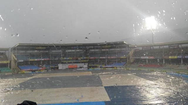 भारत और श्रीलंका के मैच पर संकट दोबारा आई बारिश, देरी से शुरू होगा मैच