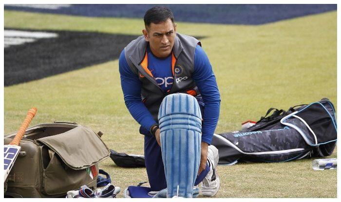 महेंद्र सिंह धोनी इस सीरीज से कर सकते हैं भारतीय टीम में 6 महीने बाद वापसी!