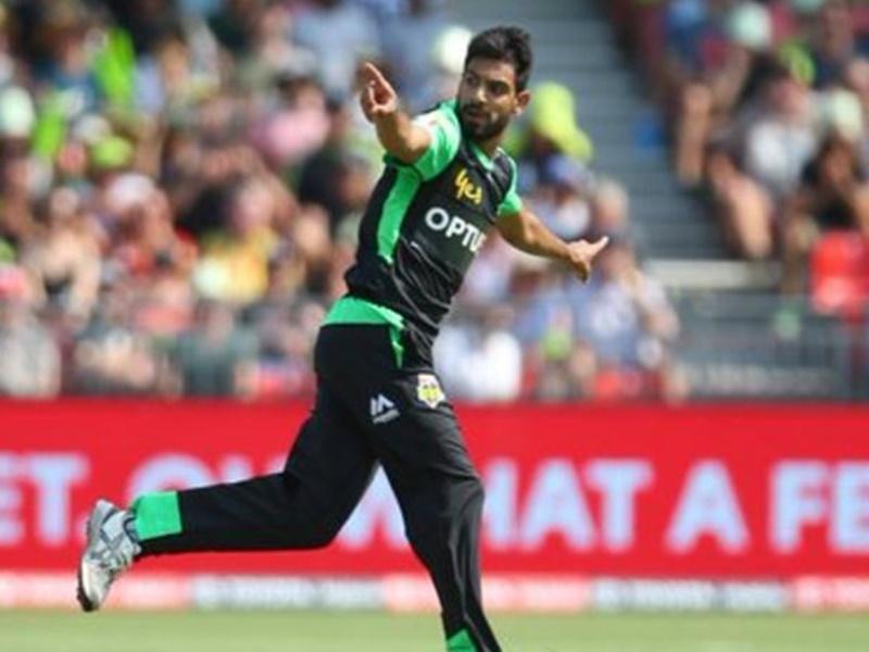 पाकिस्तान के इस गेंदबाज ने विकेट लेने के बाद किया गला काटने का इशारा, मचा बवाल 1