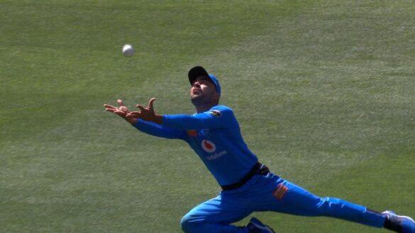 वीडियो- राशिद खान ने बिग-बैश लीग में पीछे की तरफ भागते हुए पकड़ा हैरतअंगेज कैच, दिलाई कपिल देव की याद 1
