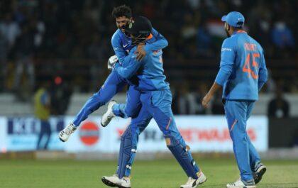 कुलदीप यादव बने भारत के लिए सबसे तेज 100 विकेट लेने वाले स्पिनर, इन्हें छोड़ा पीछे 4
