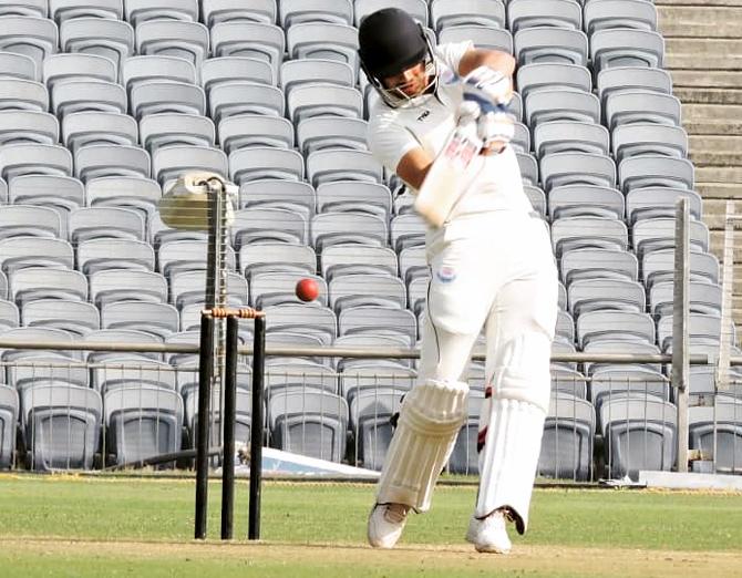 भारत को मिला एक और सिक्सर किंग मात्र 2 पारियों में जड़े 19 छक्के, इस आईपीएल टीम से खेलते आएगा नजर 1