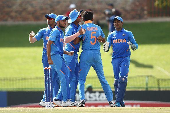 अंडर-19 विश्व कप : भारत ने ऑस्ट्रेलिया को 74 रन से हराकर सेमीफाइनल में बनाई जगह