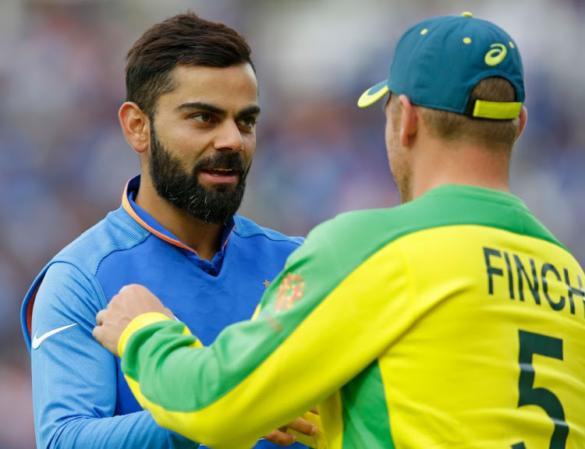 IND vs AUS, पहला वनडे: ऑस्ट्रेलिया ने टॉस जीता किया गेंदबाजी का फैसला, टीम इंडिया में इन XI खिलाड़ियों को मिला मौका 13