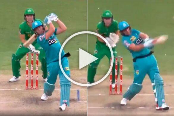 VIDEO : एबी डीविलियर्स ने जड़ा अविश्वसनीय छक्का, खेली 37 गेंदों में 71 रनों की तूफानी पारी 1