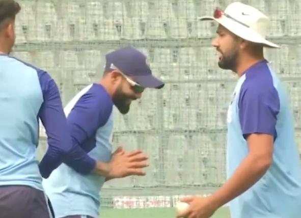 रोहित शर्मा ने अभ्यास के दौरान 3 गेंदों से दिखाई कलाकारी, देखने लायक था साथी खिलाड़ियों का रिएक्शन