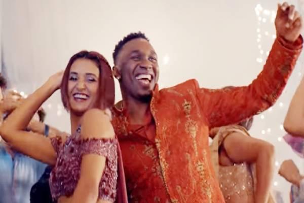ड्वेन ब्रावो ने बॉलीवुड दिवा मलाइका अरोड़ा के साथ किया अपने नए गाने पर डांस, देखें वीडियो