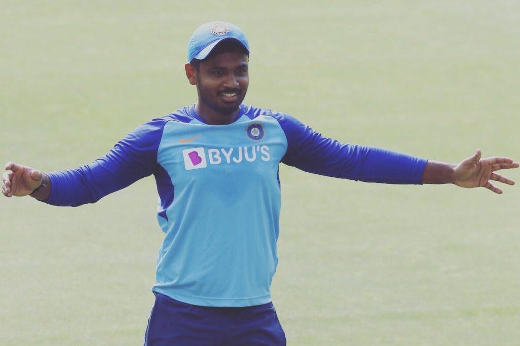INDvsSL, तीसरा टी-20: संजू सैमसन को 2015 के बाद भारत के लिए पहली बार खेलने का मौका, देखने लायक है फैंस की खुशी 1
