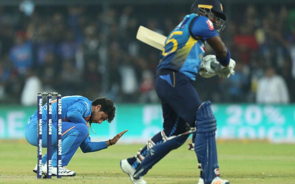 IND vs SL: श्रीलंका ने दिया 143 रनों का लक्ष्य, सोशल मीडिया पर छाए भारतीय गेंदबाज 1
