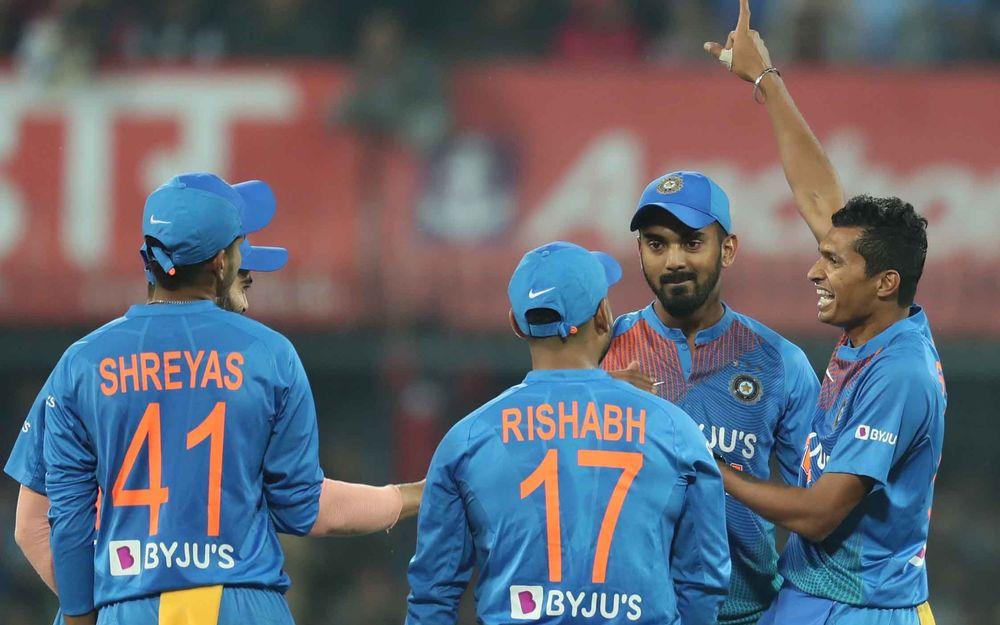 भारत की जीत के बाद सोशल मीडिया पर हुई इन खिलाड़ियों की तारीफ़ तो कप्तान कोहली का इस वजह से बना मजाक