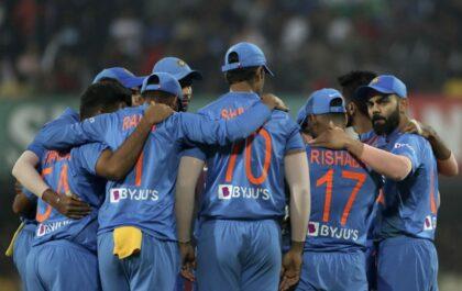 न्यूज़ीलैंड के खिलाफ भारत ए के लिए खेल रहे इन खिलाड़ियों को मिल सकता है वनडे टीम में जगह 6