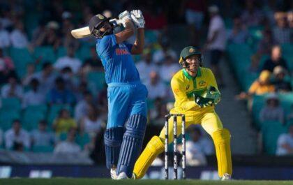 3 भारतीय बल्लेबाज जिन्होंने वनडे मैच के एक ओवर में लगाए हैं चार छक्के 1