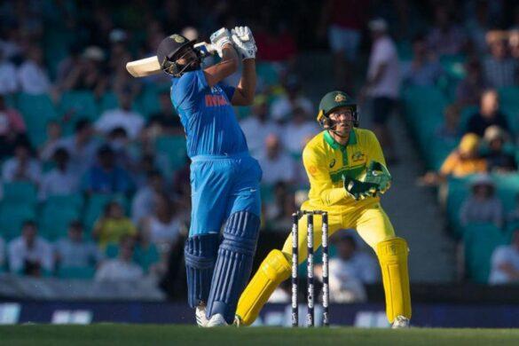 3 भारतीय बल्लेबाज जिन्होंने वनडे मैच के एक ओवर में लगाए हैं चार छक्के 19