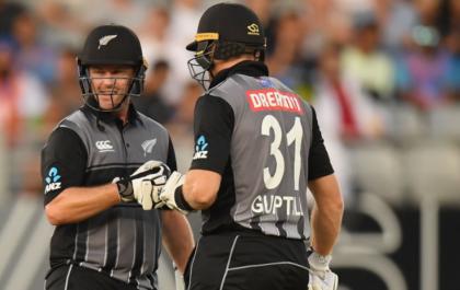 NZ vs IND, पहला टी-20: न्यूजीलैंड की विस्फोटक बल्लेबाजी के बाद सोशल मीडिया पर उड़ा भारतीय गेंदबाजी का मजाक 7