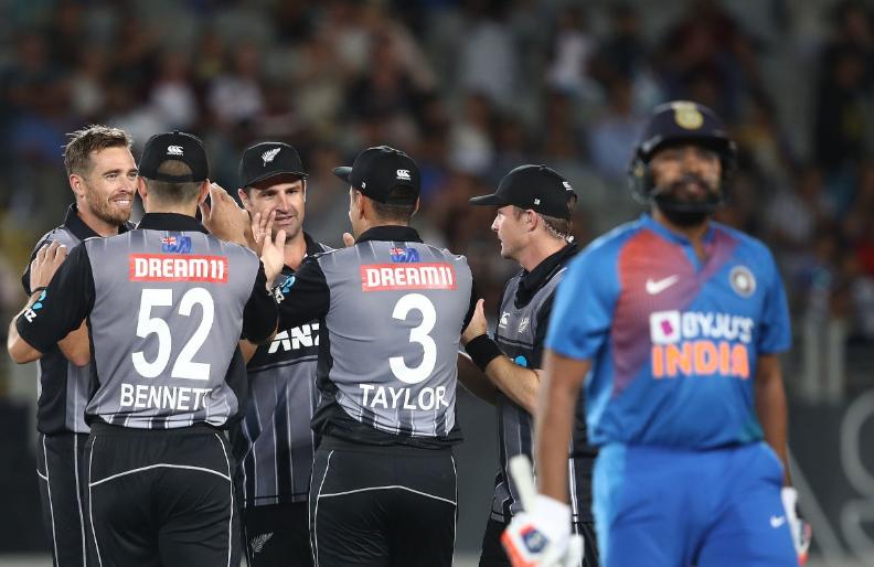 न्यूजीलैंड के खिलाफ तीसरे टी-20 में भारत को मिल सकती है हार, खुद मैदान के आंकड़े दे रहे गवाही 3