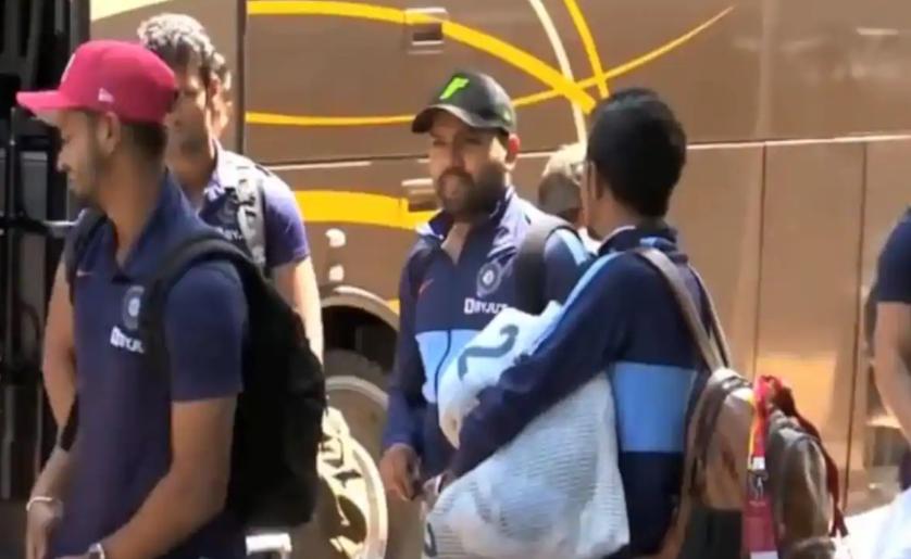 टी-20 सीरीज अपने नाम करने के इरादे से हैमिल्टन पहुंची भारतीय टीम, देखें वीडियो 1