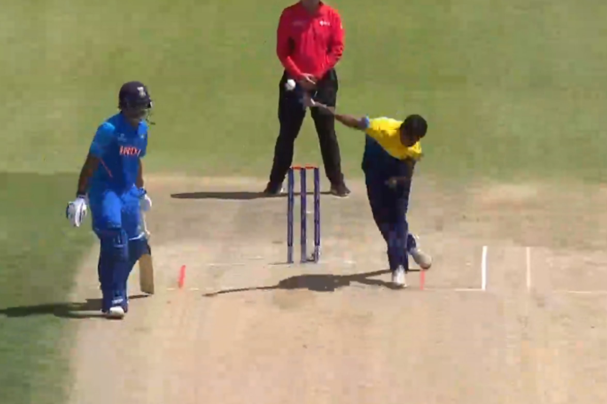 श्रीलंका को मिला नया लसिथ मलिंगा, क्या क्रिकेट में करेंगा वैसा ही कमाल? देखें वीडियो 1