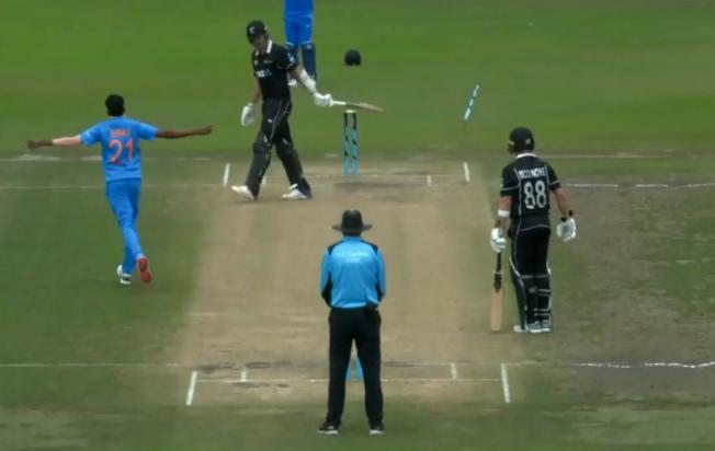 मोहम्मद सिराज ने न्यूज़ीलैंड के खिलाफ एक बार नहीं बल्कि 2-2 बार हवा में उखाड़ फेंका स्टंप, देखें वीडियो 2