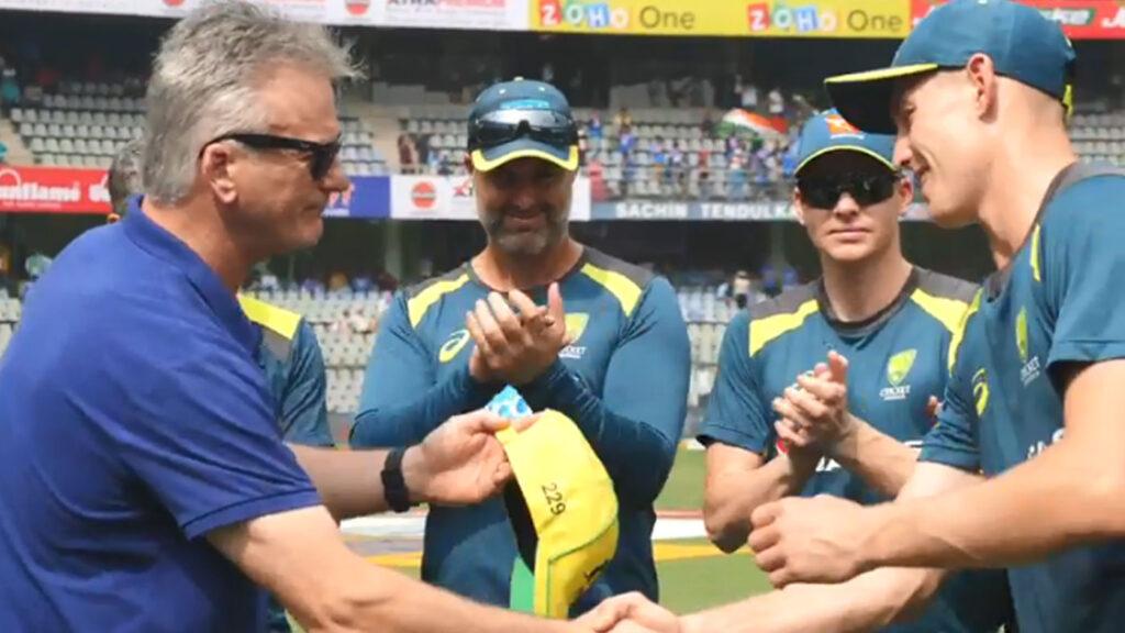 IND vs AUS, पहला वनडे: पहले मैच में बने 10 रिकॉर्ड, डेविड वॉर्नर ने रचा इतिहास, 15 साल बाद फिर जुड़ा ये शर्मनाक रिकॉर्ड 2