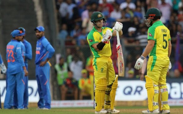 IND vs AUS: विराट कोहली की एक छोटी सी गलती की वजह से ऑस्ट्रेलिया ने भारत को मुंबई एकदिवसीय मैच में 10 विकेट से हराया 46