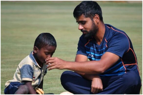 गरीब, भूख से पीड़ित बच्चे को देख भावुक हुआ यह भारतीय खिलाड़ी मैदान पर ही खिलाया खाना 8