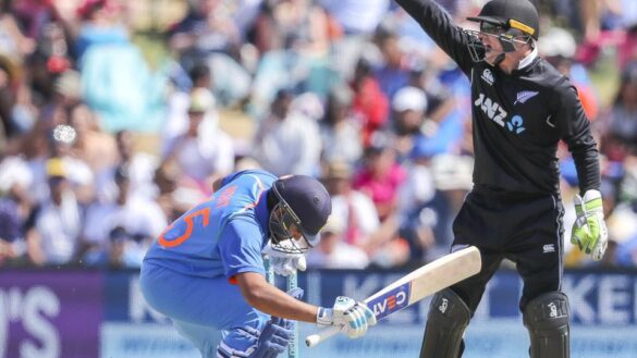टूटी अंगुली की वजह से भारत-न्यूज़ीलैंड सीरीज से बाहर हुआ टीम का सबसे विस्फोटक बल्लेबाज 11