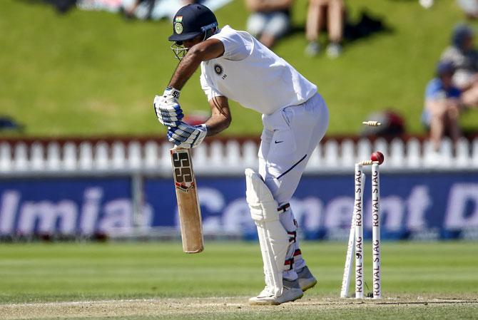 पहले मैच में मिली शर्मनाक हार के बाद अब विराट कोहली ने लगाई बल्लेबाजों को फटकार, दूसरे मैच से पहले दिया ये सलाह 1
