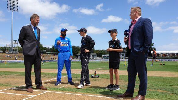 NZ vs IND, 2nd ODI: भारत ने टॉस जीता किया गेंदबाजी का फैसला, टीम में हुए यह दो बड़े बदलाव 9