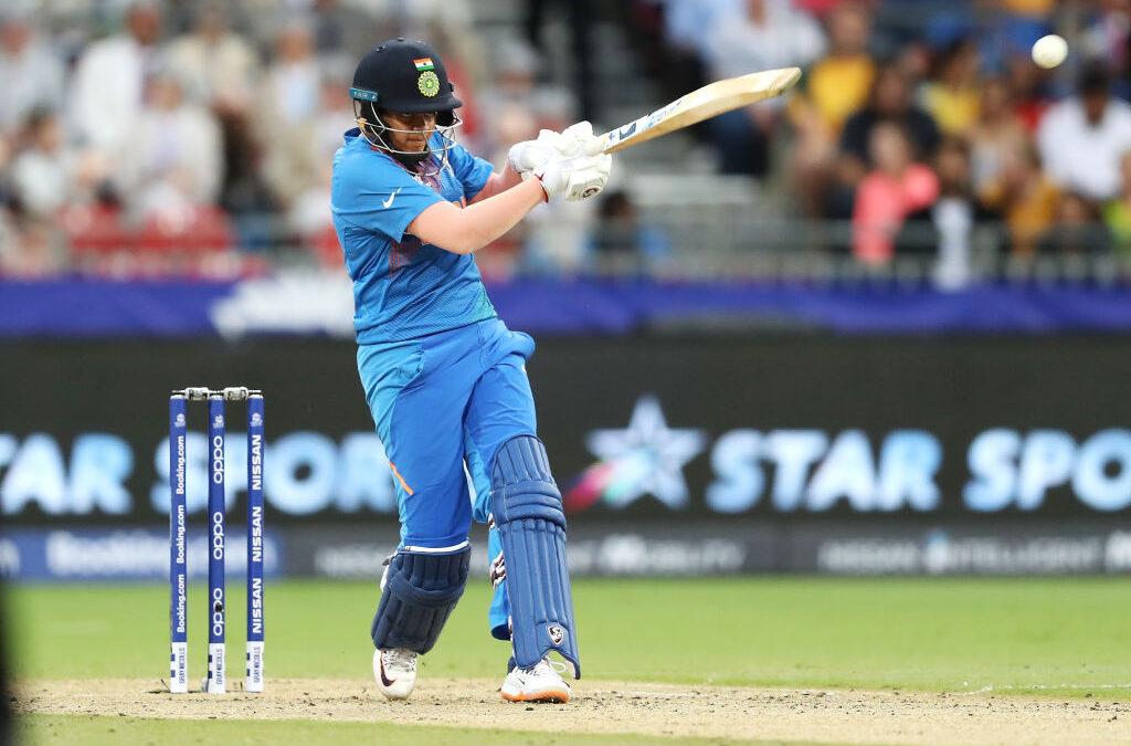 आईसीसी महिला टी-20 विश्व कप : शेफाली वर्मा की तूफानी पारी के दम पर भारत ने बांग्लादेश को दिया 143 रन का लक्ष्य