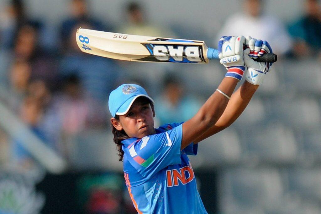 आईसीसी महिला टी-20 विश्व कप : शेफाली वर्मा की तूफानी पारी के दम पर भारत ने बांग्लादेश को दिया 143 रन का लक्ष्य 1