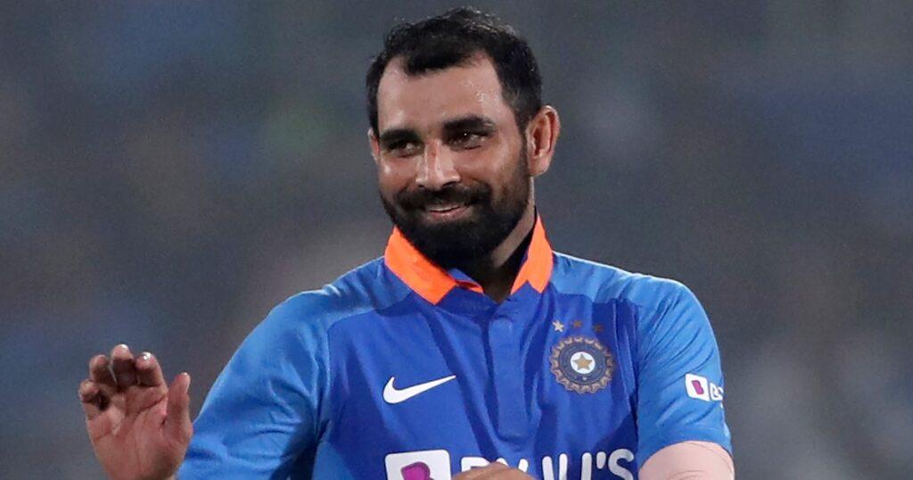 IND vs SA : दक्षिण अफ्रीका के खिलाफ वनडे सीरीज के लिए संभावित भारतीय टीम, कई बदलाव संभव 14