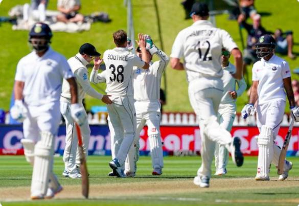 NZ vs IND- वेलिंगटन में मिली करारी हार के बाद, सोशल मीडिया पर उड़ा पूरी भारतीय टीम का मजाक 25