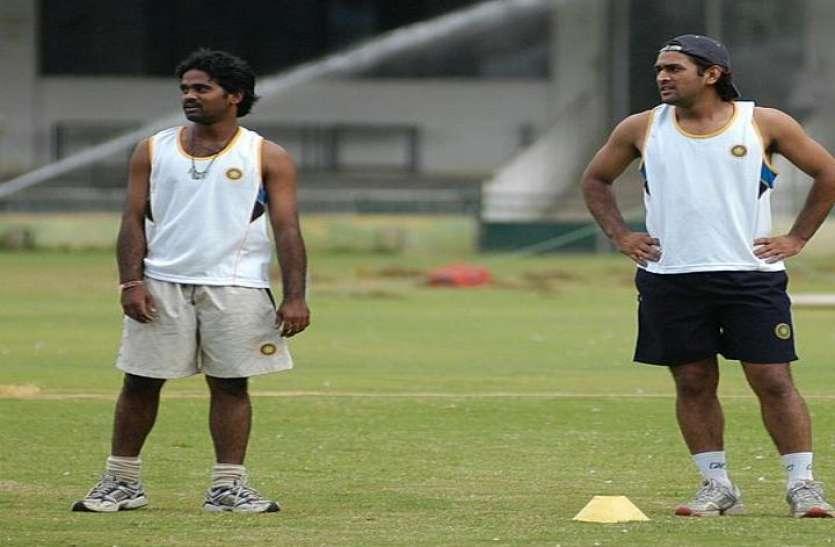 """""""महेंद्र सिंह धोनी अभी 2023 विश्व कप भी खेलते हुए नजर आ सकते हैं"""""""