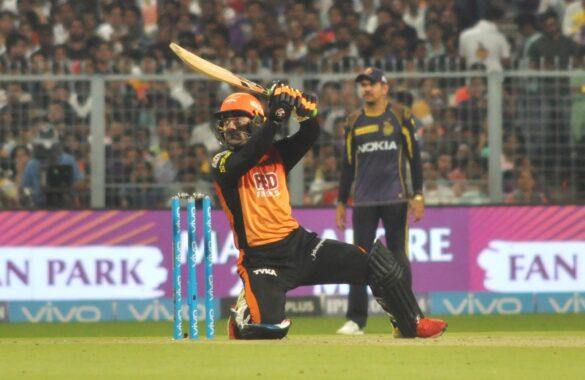 आईपीएल 2020 : हर टीम का वो 1 गेंदबाज जो निचले क्रम में बल्ले से कर सकता है कमाल 36