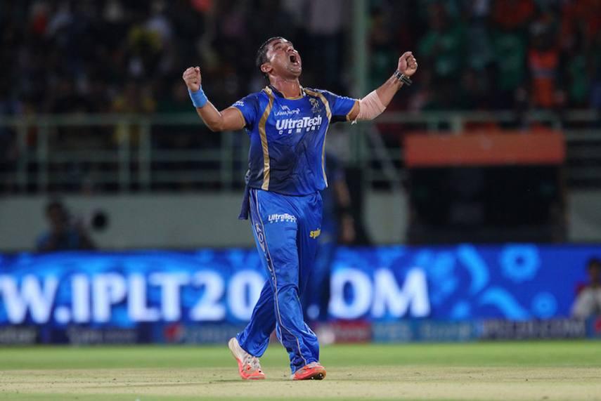 आईपीएल 2020: बीसीसीआई ने प्रवीण तांबे के टूर्नामेंट में खेलने पर लगाई रोक, ये रही वजह