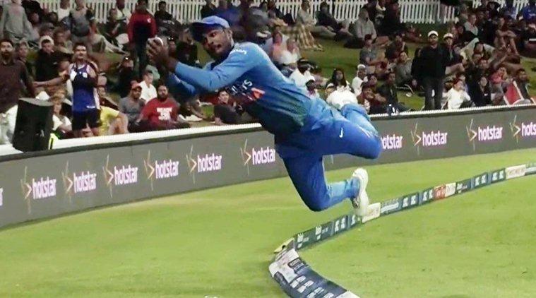 वीडियो: 7.6 ओवर के दौरान हवा में छलांग लगाते हुए संजू सैमसन ने पेश किया अपना अविश्वसनीय अंदाज, वायरल हो रहा है वीडियो 1